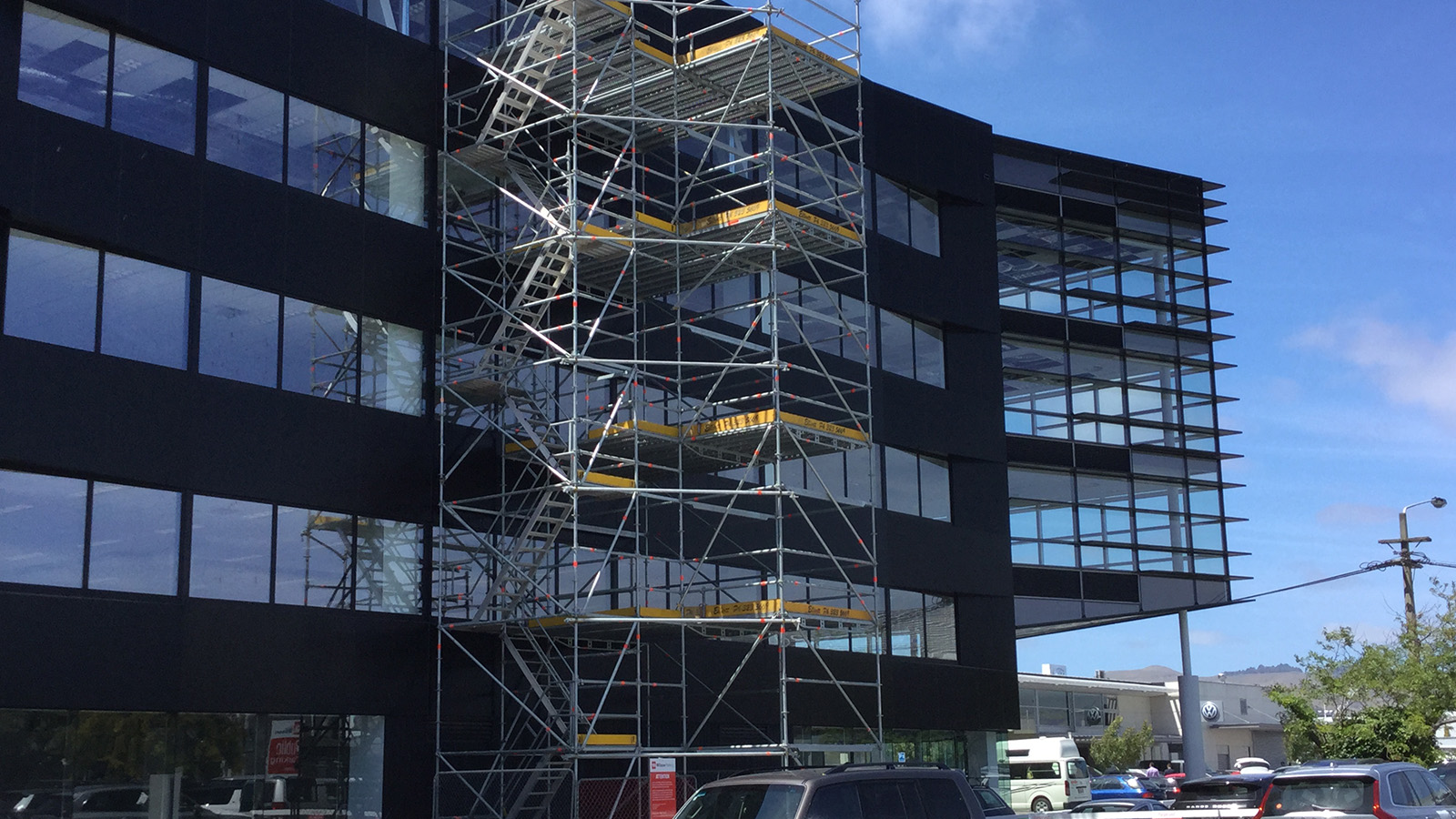 Elliott Scaffolding were commissioned by Fletcher Construction to meet the challenges presented to them in this corporate office fit-out in central city Christchurch.