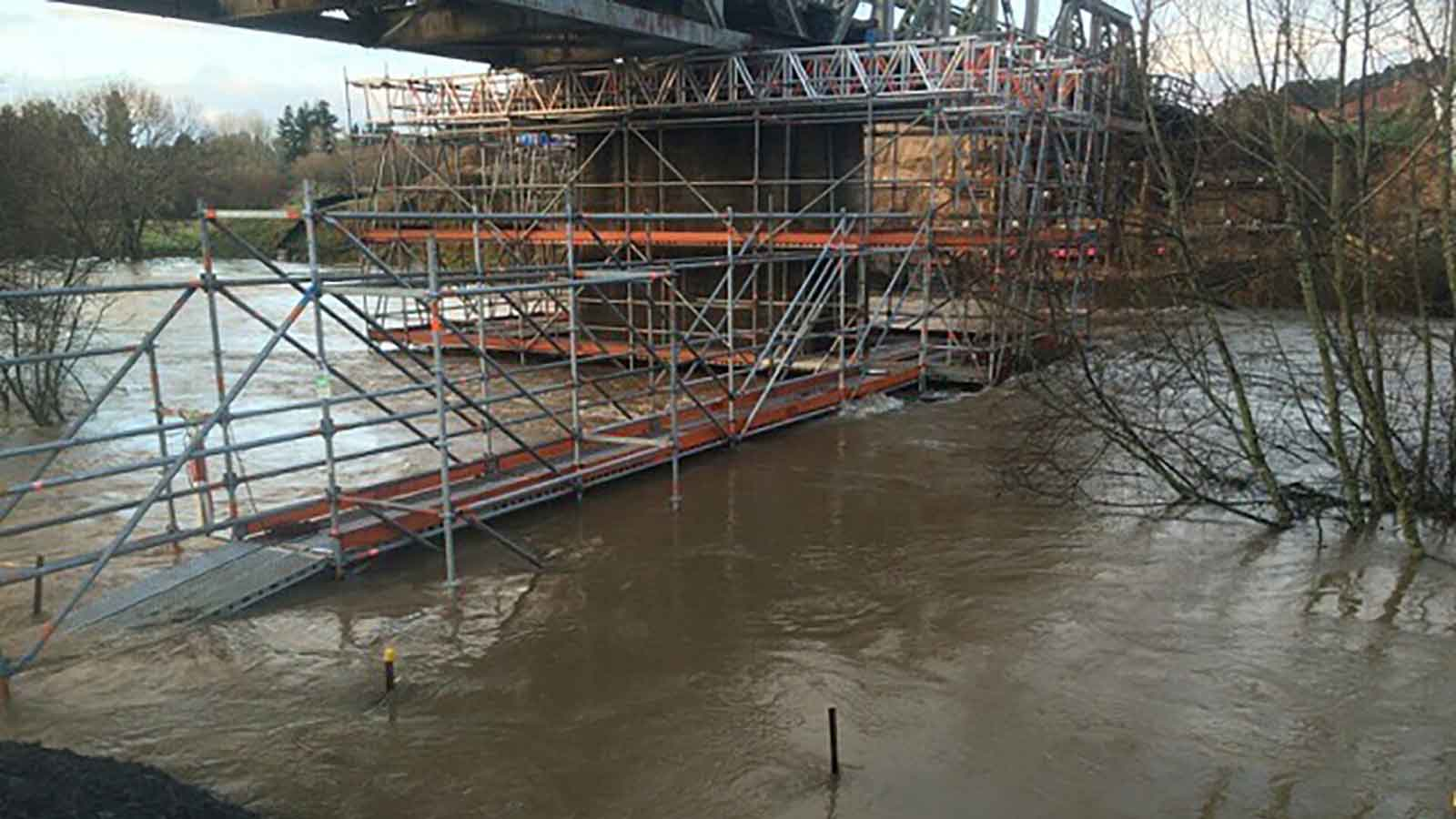 Worse than expected flooding were no problem for Layher Scaffolding
