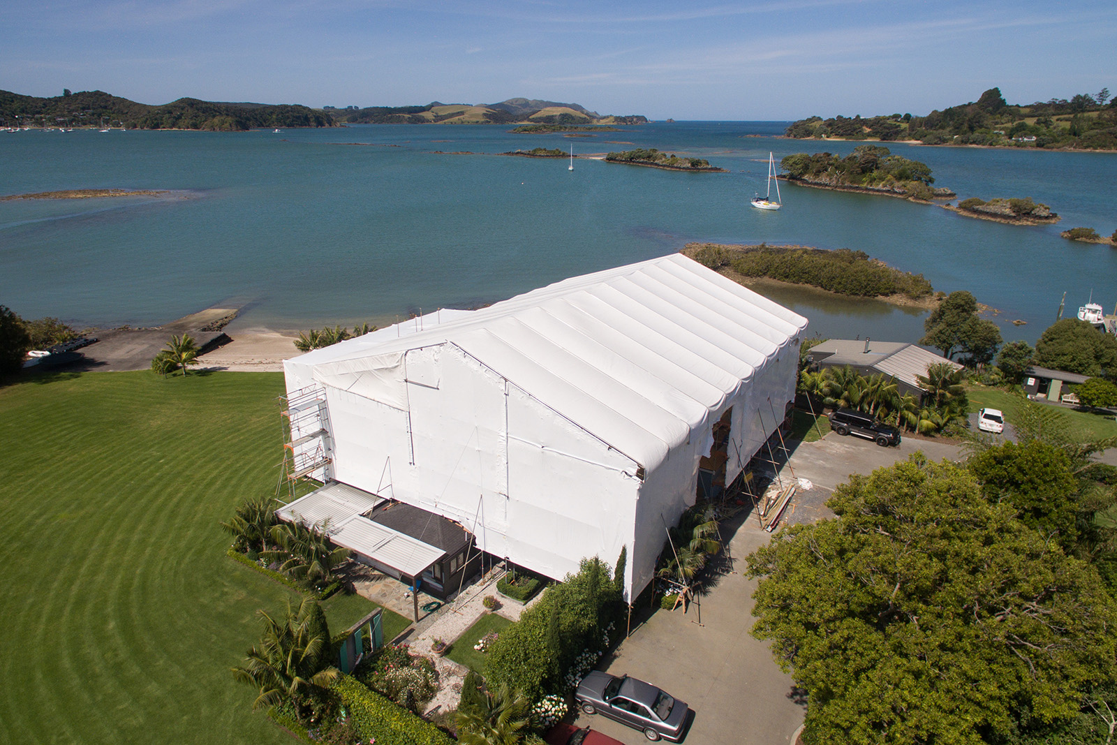 Bay of Islands renovation project covered by a Layher Keder Roof