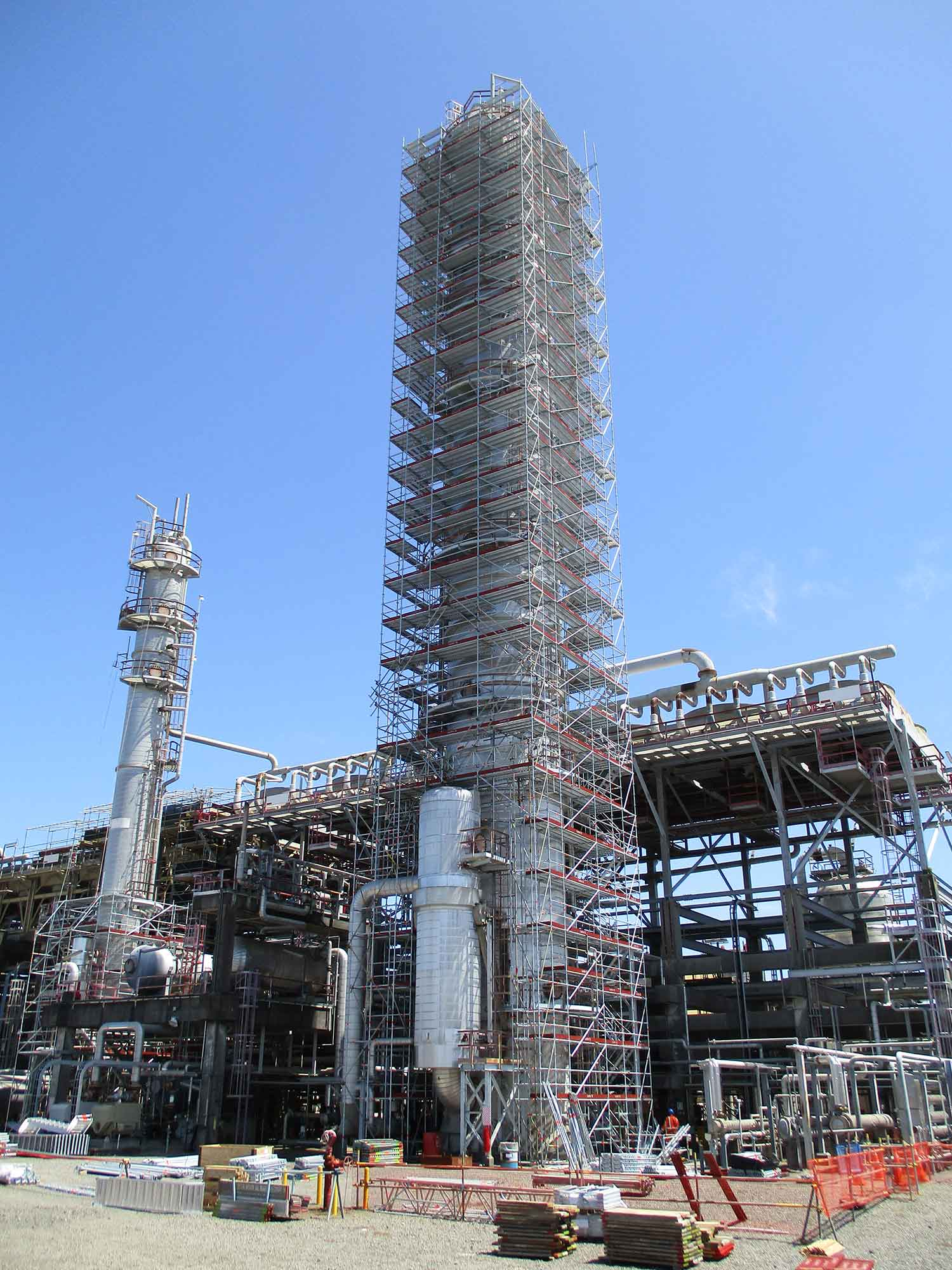 Fitzroy Engineering use Layher Allround Lightweight scaffolding on two large distillation columns standing 55m and 37m respectively.