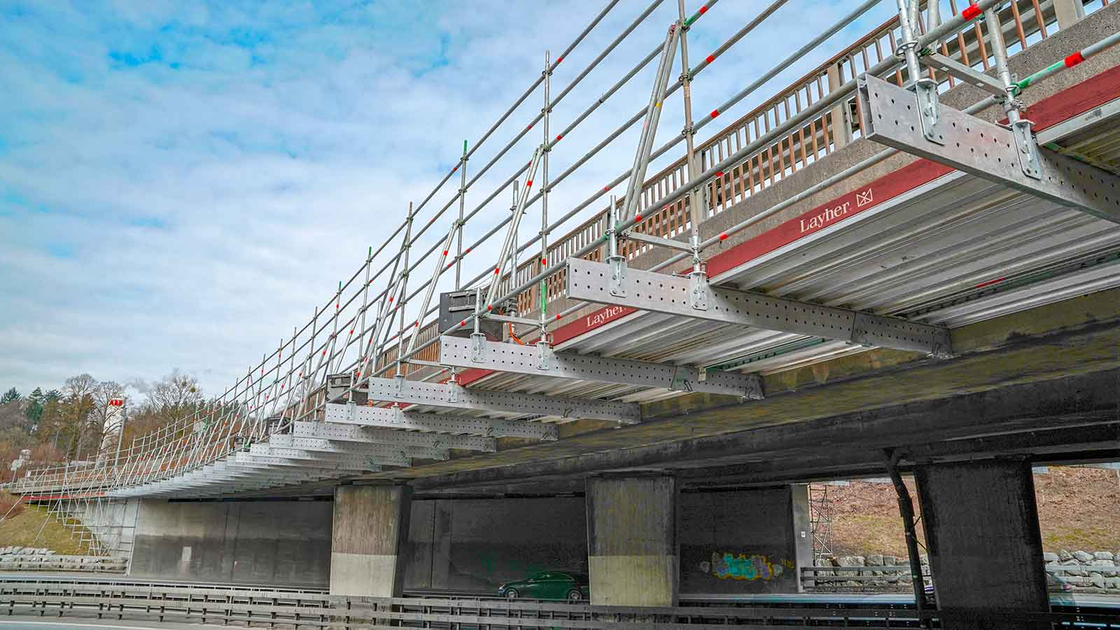 FlexBeam allow maintenance work to be carried out on low clearance bridges