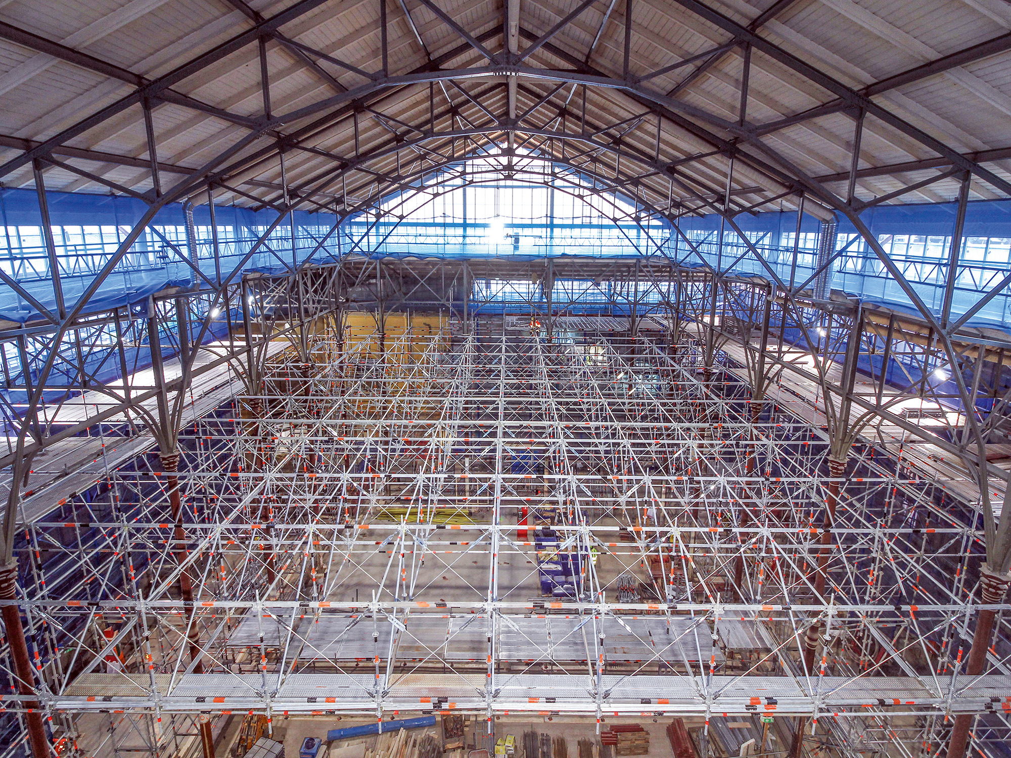 Large span birdcage scaffold using the FW System