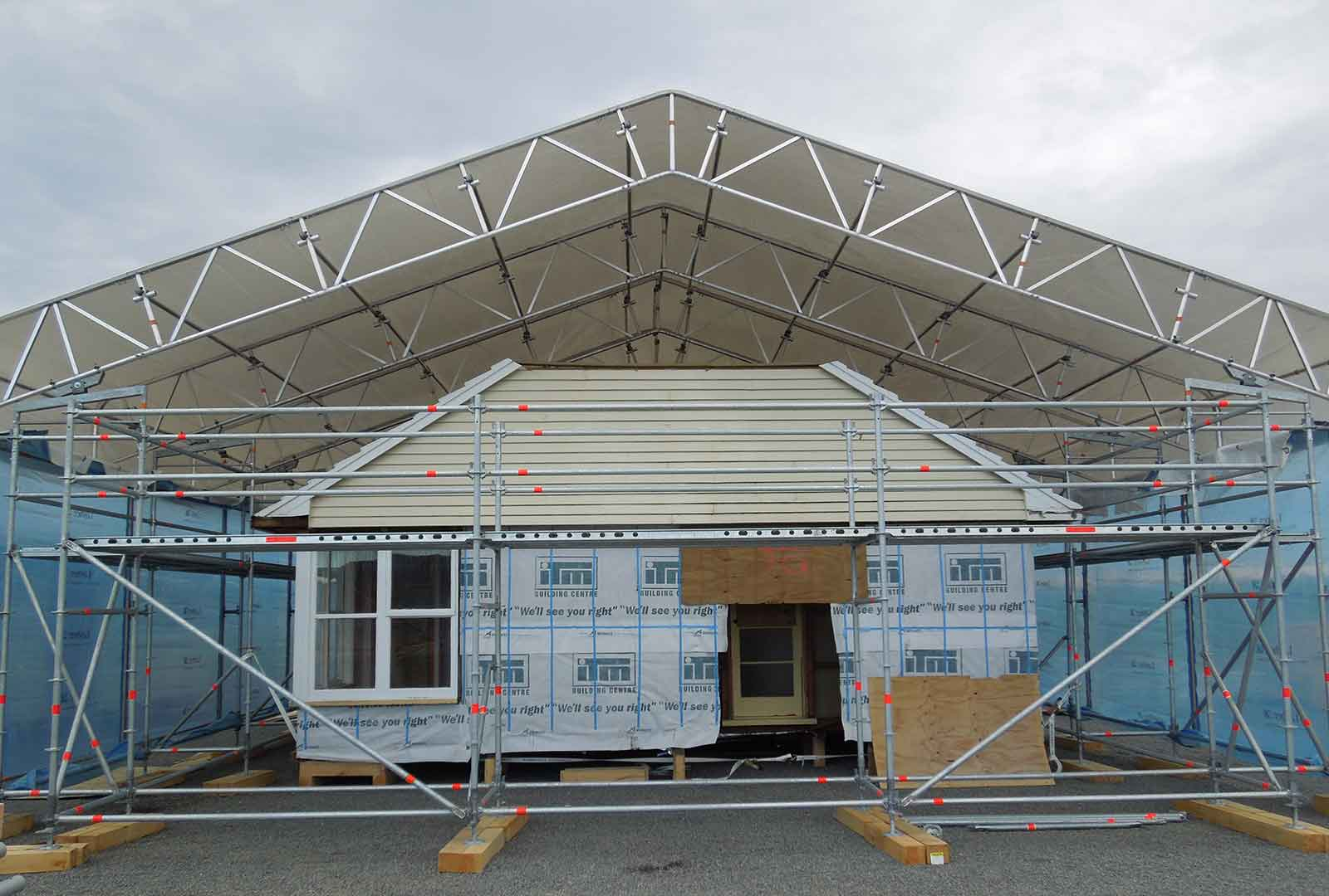 Layher Roof system provides environmental protection