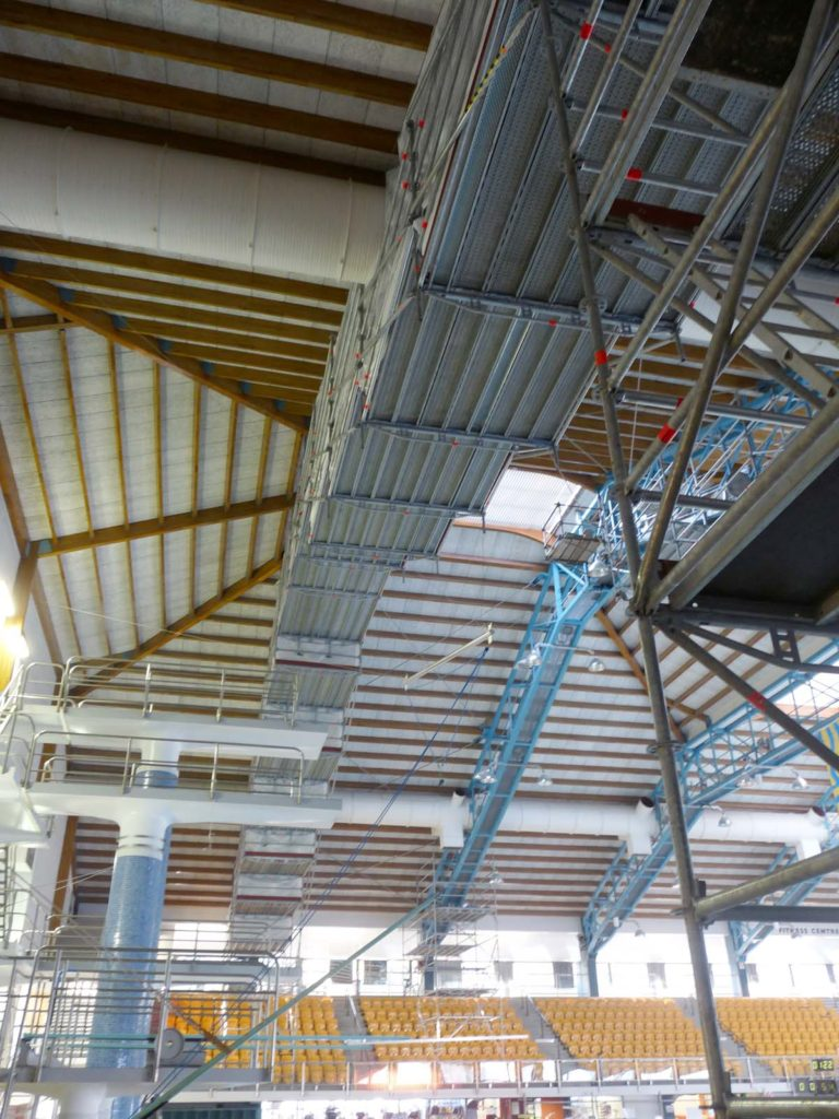 Cost effective scaffolding solution to swimming pool roof maintenance