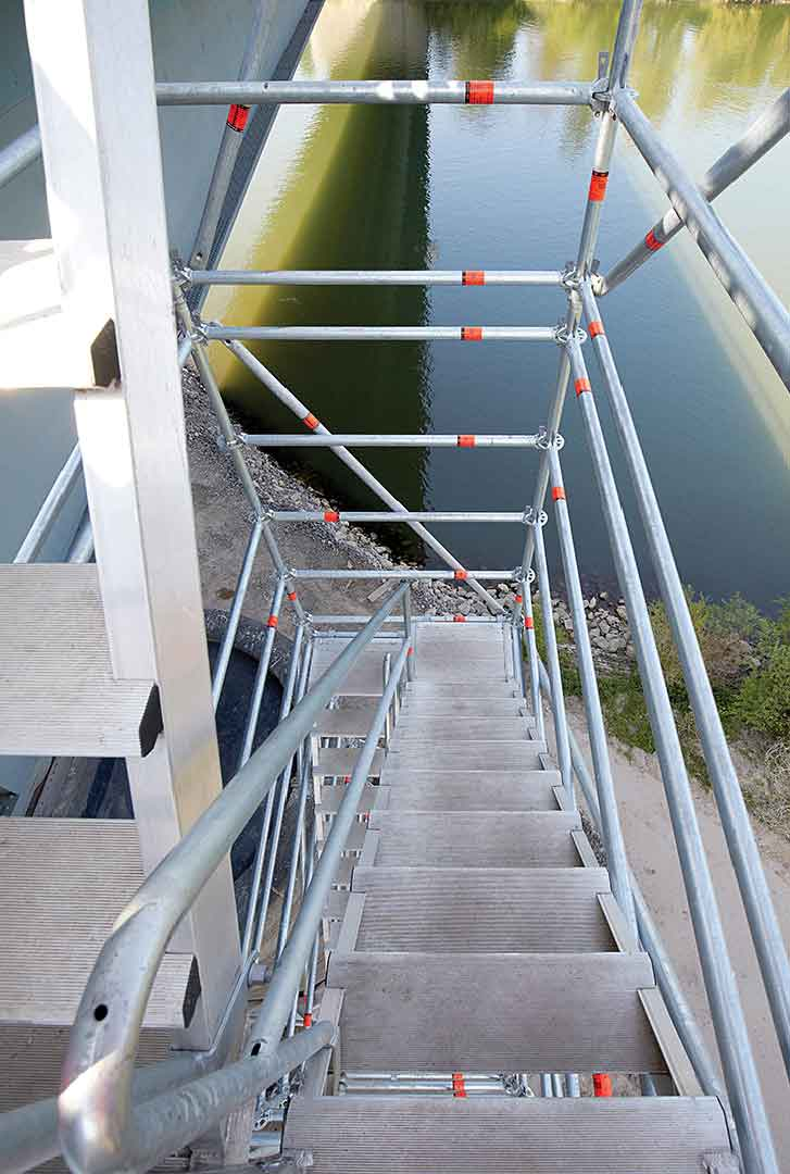 Safe Scaffold Stairway With Handrail