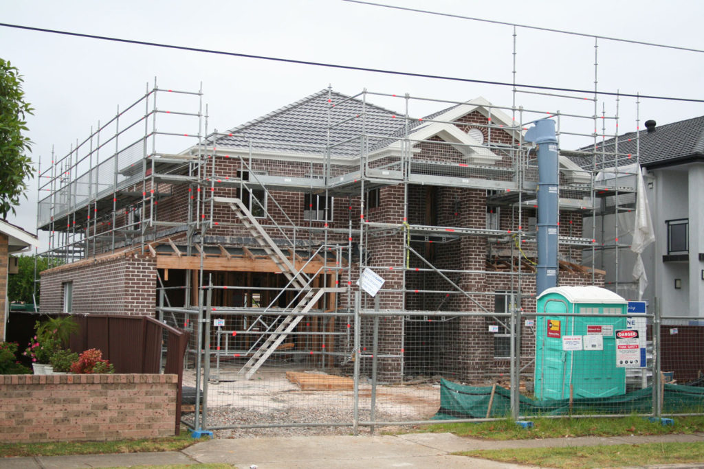 Stair integrated with scaffold
