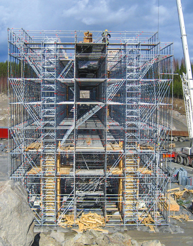 Allround Shoring TG 60 seamlessly integrates with Allround Scaffolding